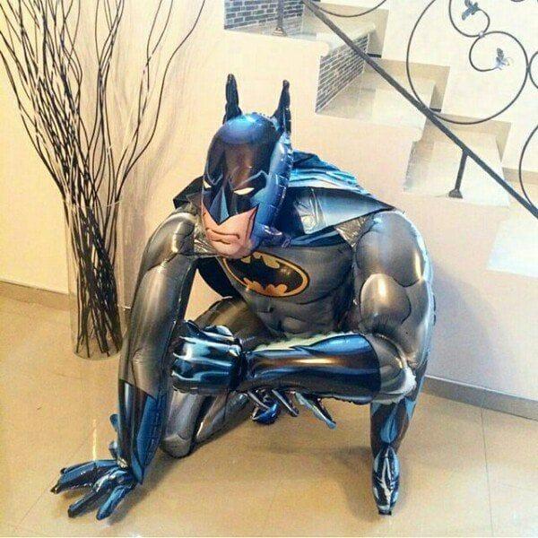 """Воздушные шары. Доставка в Москве: Ходячая фигура """"Бэтмен"""", 112 см Цены на https://sharsky.msk.ru/"""