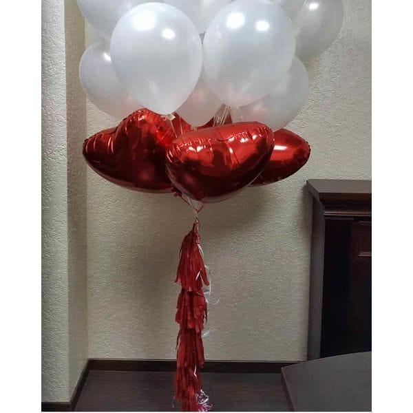 Воздушные шары. Доставка в Москве: Фонтан белых шаров с сердцами Цены на https://sharsky.msk.ru/