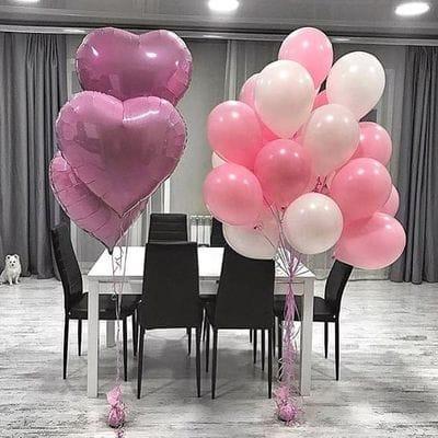 Фонтан шаров с большими сердцами